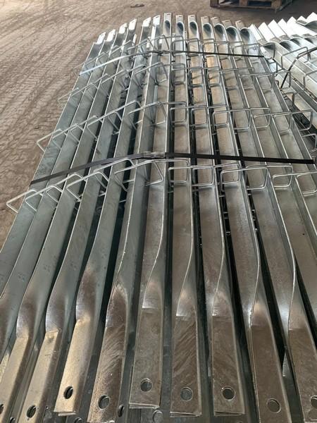Banho de zinco em parafusos